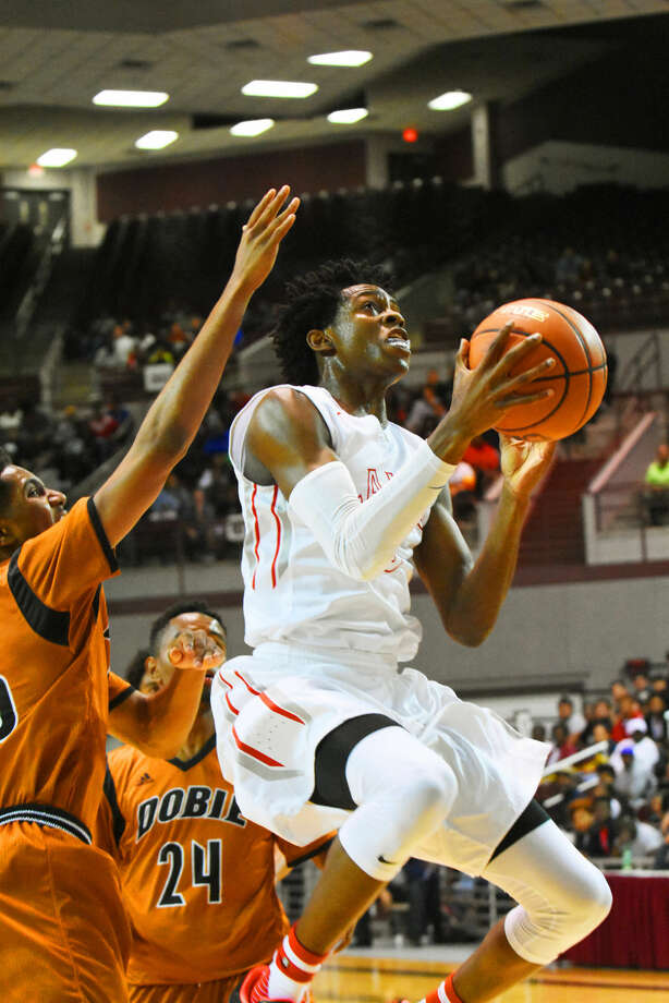 Cy Lakes senior De'Aaron Fox won the 2016 Guy V. Lewis Award, given annually to the top boys basketball player in the Greater Houston area. Fox led the Spartans to the Region III-6A championship game. Photo: Tony Gaines