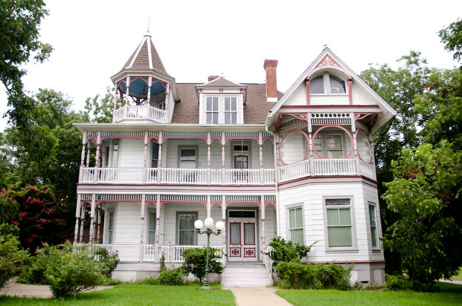 Just one example of the historic homes in Brenham, the Ross Carroll Bennett was built in 1898 and is fully furnished with original and period pieces.