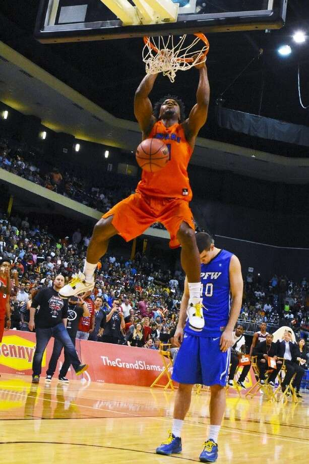 More than 6,100 people turned out at the Berry Center in Cypress on Thursday to enjoy the 2016 State Farm College Slam Dunk & 3-Point Championships. Photo: Tony Gaines