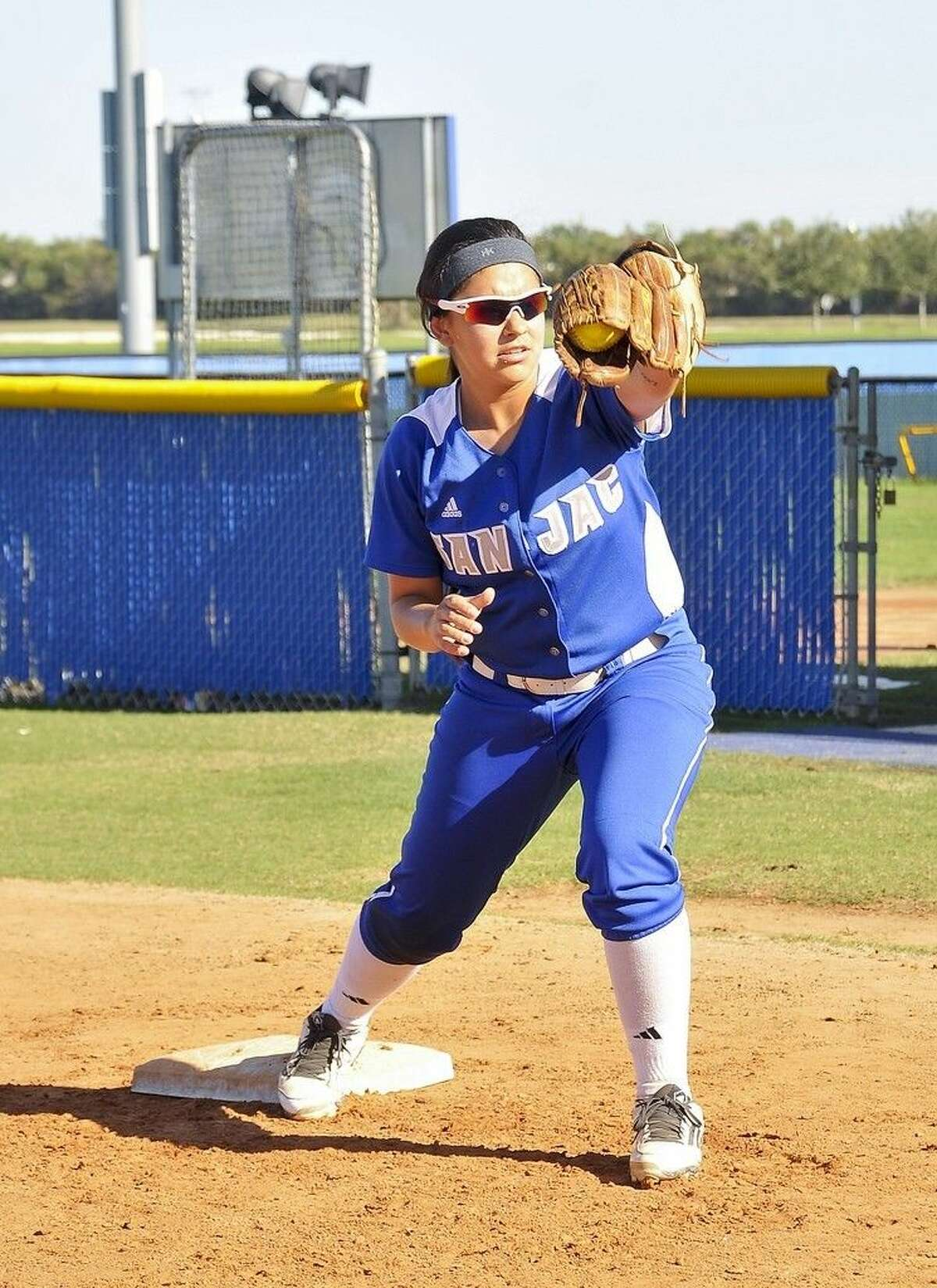 The San Jacinto College softball team will host its Breast Cancer Awareness game on Wednesday, April 13 at 4 p.m., against Alvin Community College. Pictured: JJ Cerda. Photo credit: Andrea Vasquez, San Jacinto College marketing, public relations, and government affairs department.