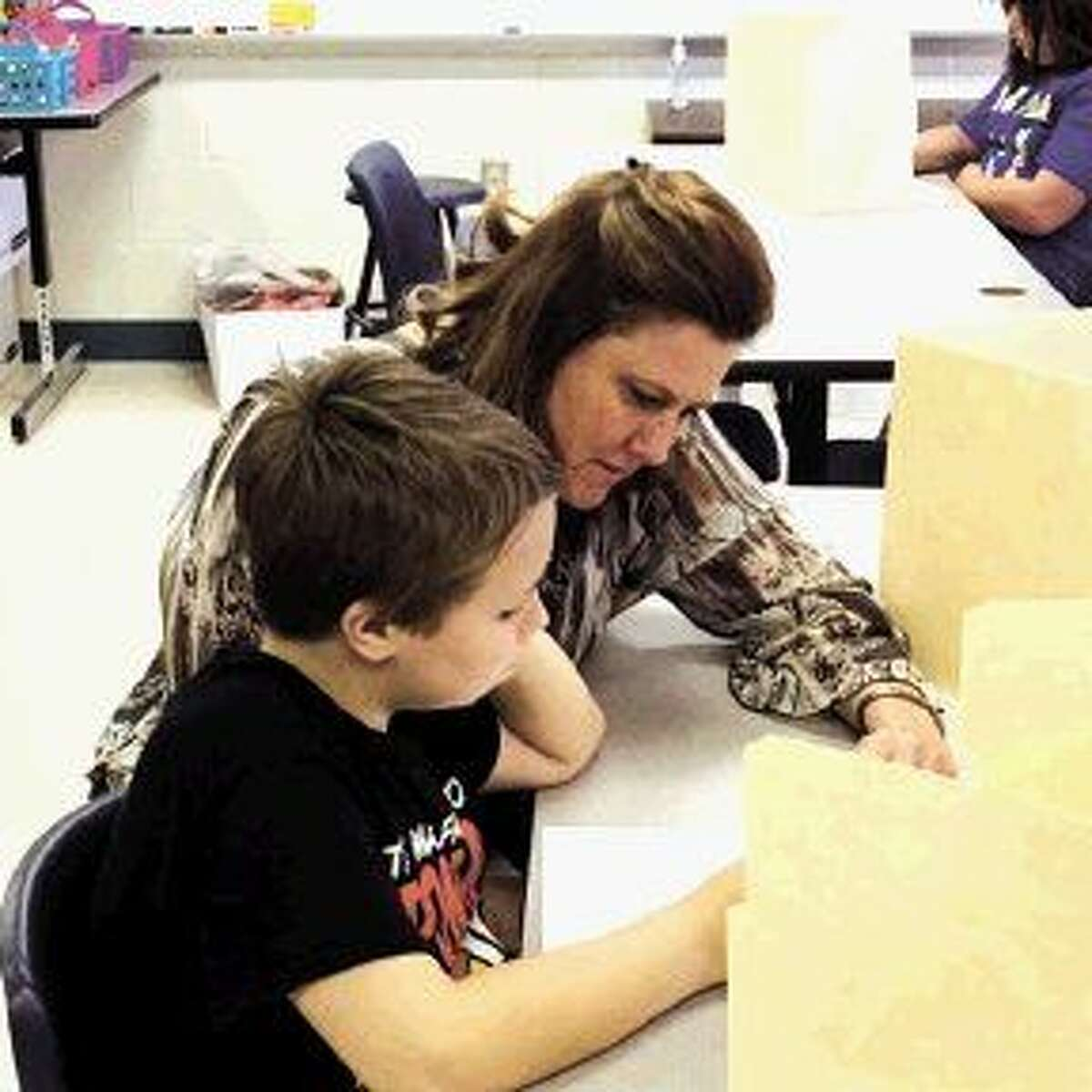 Ms. Morris, fourth grade reading teacher, has been working with Peyton on his reading skills. Peyton's goal is to be an academically advanced performer on his STAAR reading test.