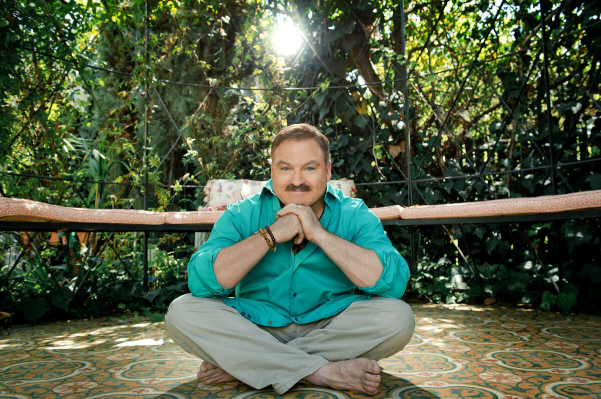 James Van Praagh will be part of the Brilliant Lecture Series on April 16.