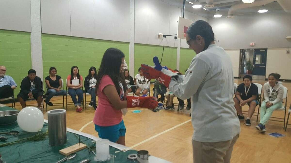 Air Products provides YMSA students with a hands-on Liquid Nitrogen (LIN) demonstration.