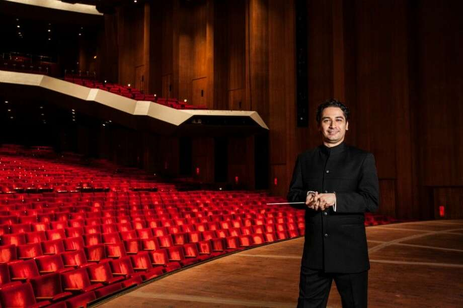 Join the Houston Symphony for a weekend of free symphonic fun to celebrate the arrival of its 15th music director, Andrés Orozco-Estrada, for his inaugural season.