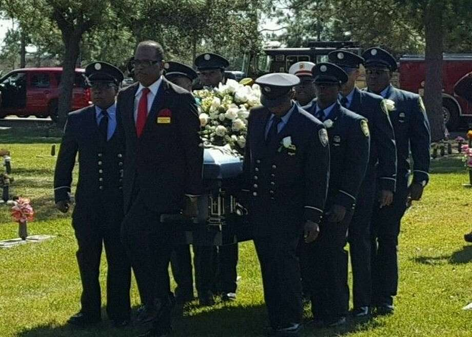 Allen Dave Funeral home performing services for a Houston Fire Department firefighter. Photo: Allen Dave Funeral Home