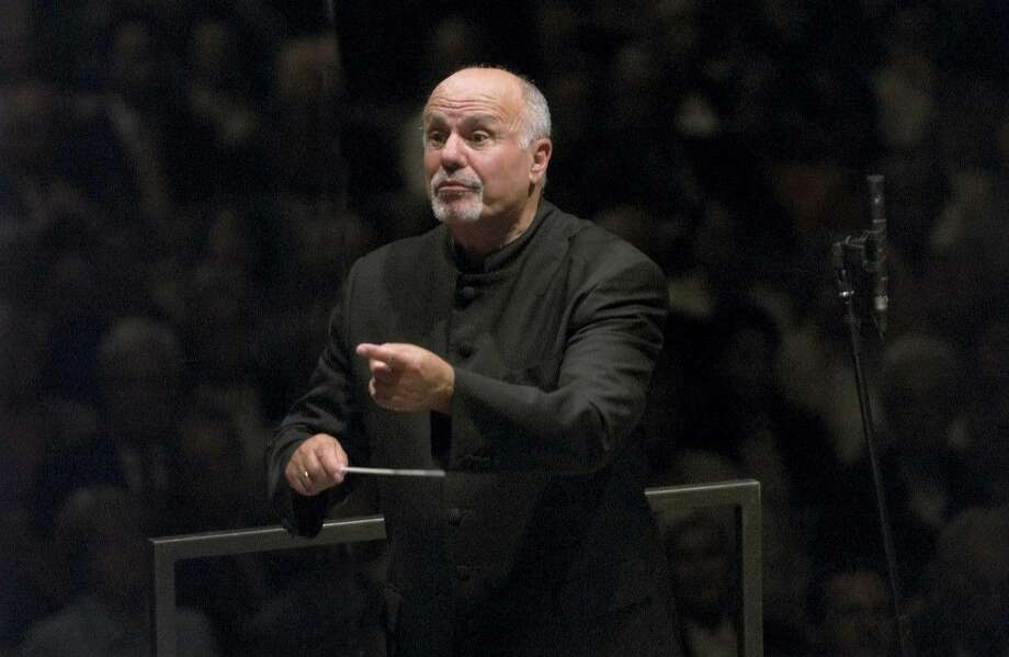 Renowned maestro David Zinman will appear with the Houston Symphony and Chorus to conduct the Fauré Requiem. Photo: Courtesy Photo