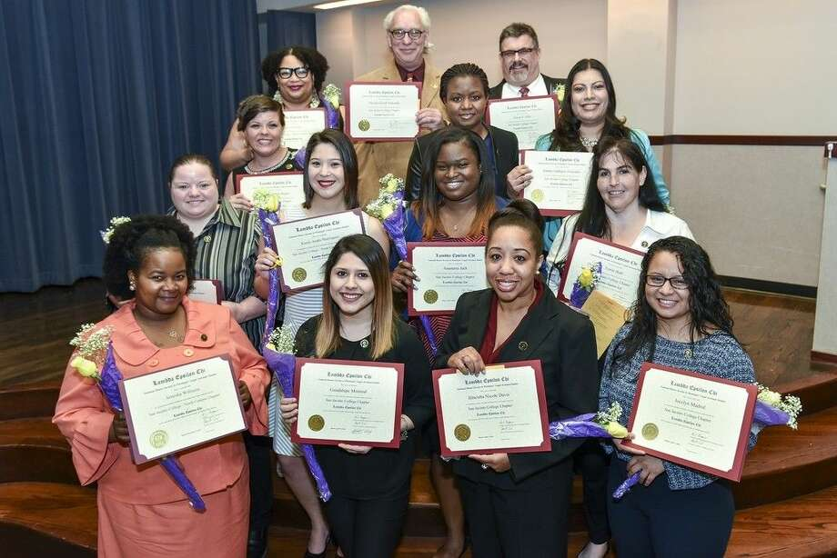 San Jacinto College LEX honor society inductees include, from left (front row): Arnesha Williams, Lupita Monreal, Illneisha Davis, and Jocelyn Madrid; (second row): Tiffany Porche, Karen Cardenas, Anastasia Jack, and Terrie Hall; (third row): Trisha Shafer, Alicia Greenidge, and Sandra Gonzalez; (back row): Keirra Mitchell, Michael Edwards, and Owen Jirka. Inductees not present include Melissa Arvizu, Ruth Conley, Genie Hayes, Nataly Perez, Annemeike Samuels, and Ashley Wyers. Photo credit: Rob Vanya, San Jacinto College marketing, public relations, and government affairs department.