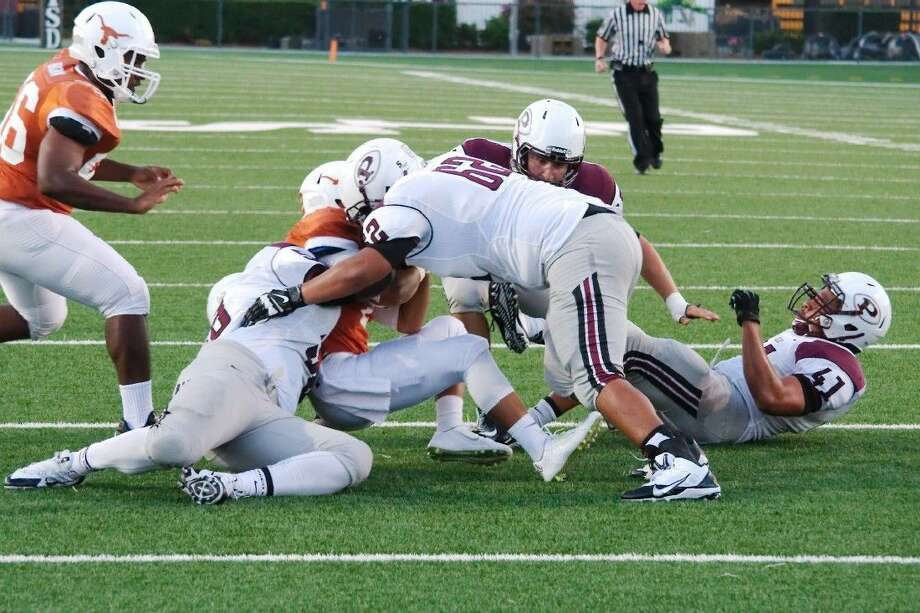 Pearland defensive lineman Joey Longoria (62) should be an integral part of the Oiler football team. Pearland's first full week in pads began Monday. Photo: KIRK SIDES