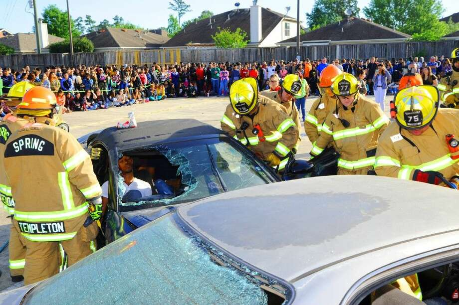 Shattered Dreams hosted a car accident re-enactment on Thursday, April 7 at the Spring High School parking lot.