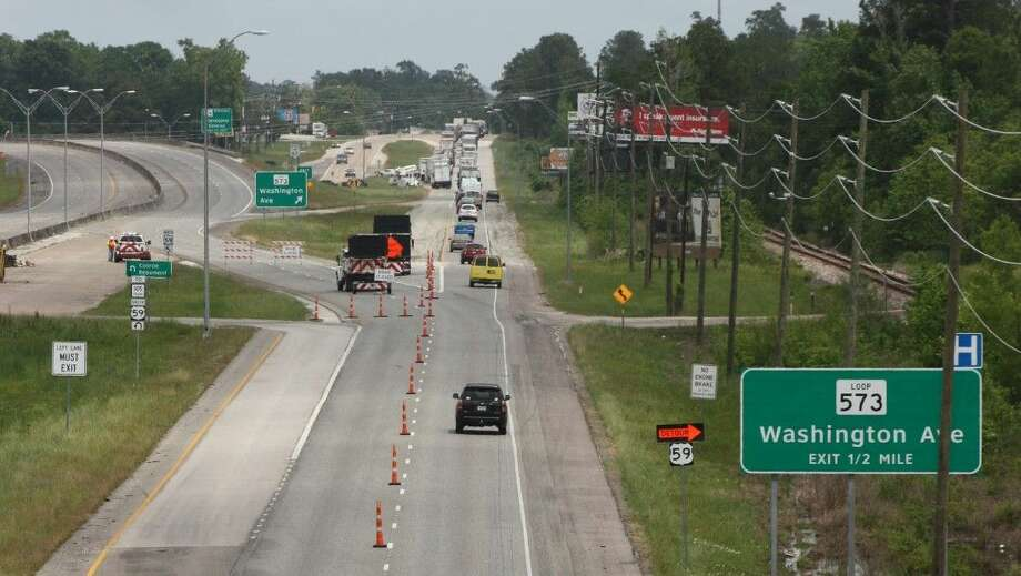 Traffic on US 59 was diverted down TX-573 Loop (Washington St.) in Cleveland on Monday and Tuesday due to flooding across US 59 in the Shepherd area. By Tuesday evening, the floodwaters had subsided and US 59 North was reopened. Photo: Vanesa Brashier