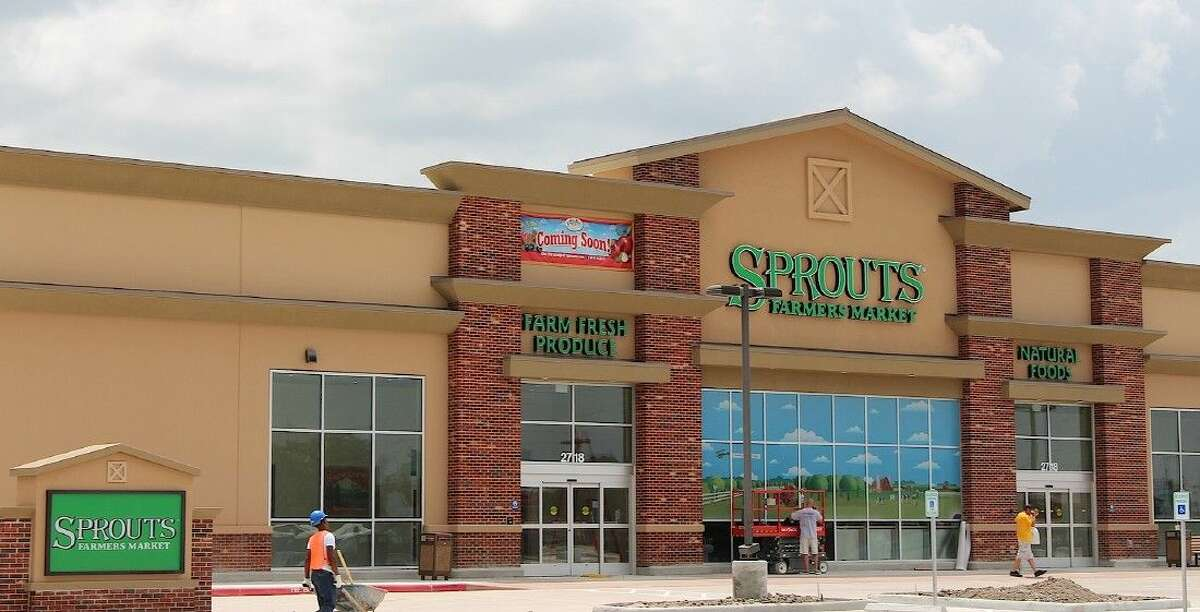 Construction continues at the new Sprouts Farmers Market in Pearland.