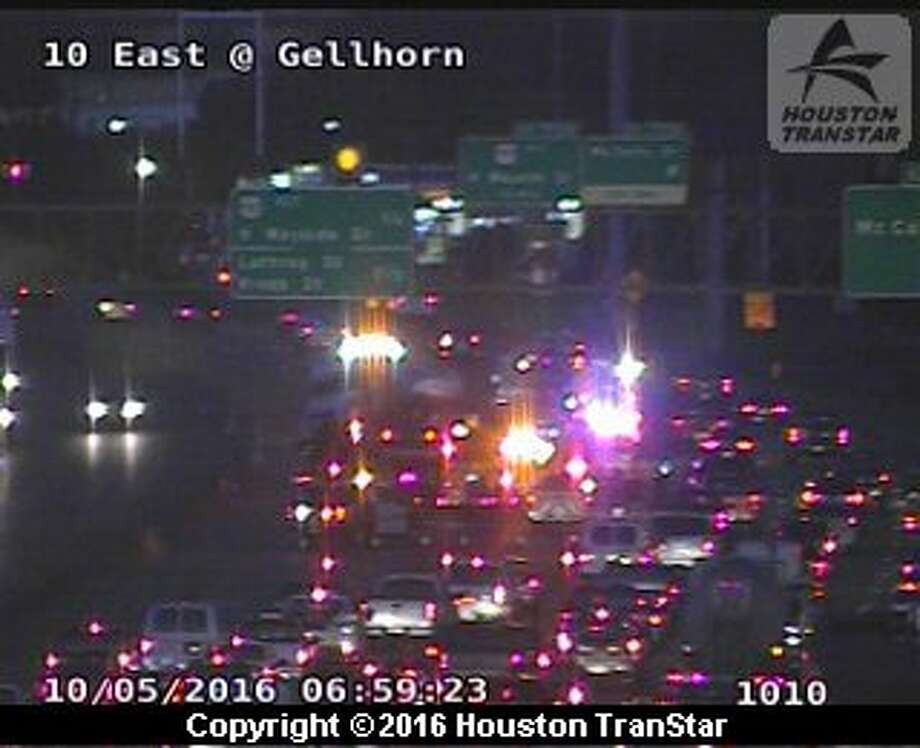 A big rig crash about 5:50 a.m. Wednesday snarled the inbound East Freeway near McCarty in east Houston. (Houston TranStar)