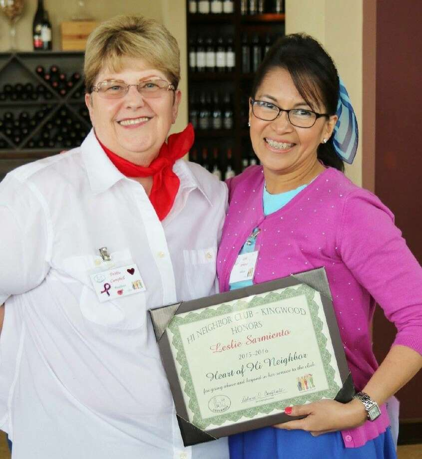 """Heart of Hi Neighbor"" award to Leslie Sarmiento, presented by current President Debbie Campbell."