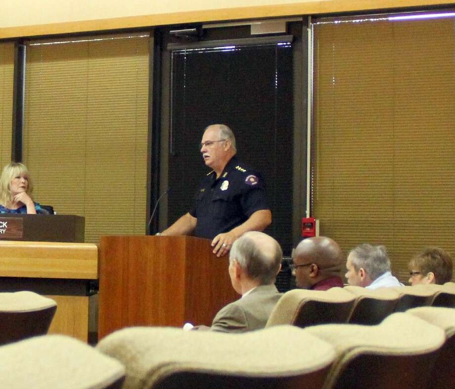 Pasadena Police Chief Michael Thaler speaks at a city council meeting held Tuesday (Aug. 4) in favor of a proposal that would close the city's crime lab and transfer those service to a crime lab operated by Harris County. Photo: Kristi Nix