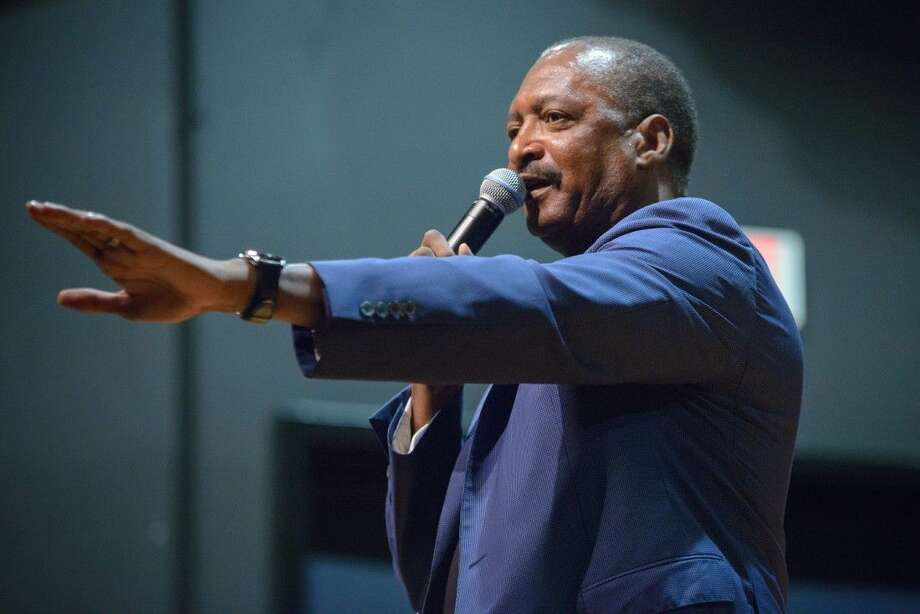 Photo by Steven DavidMathew Knowles speaks to HCC students interested in the entertainment industry. Photo: Steven David