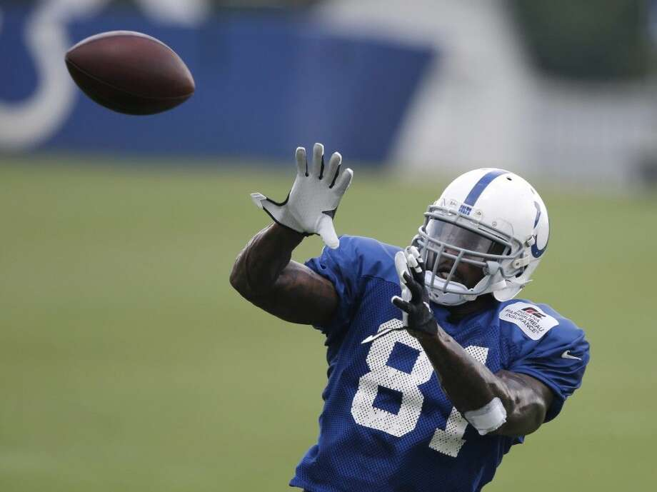 Indianapolis Colts' Andre Johnson makes a catch in practice earlier this week.