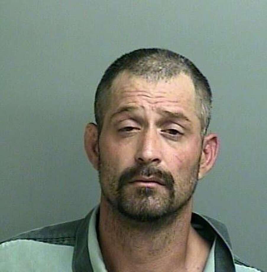 "Mug shotHUDSON, Glen Dale Jr.White/Male DOB: 11-02-1973Height 6'00"" Weight: 180 lbs.Hair: Brown Eyes: BrownWarrant: #140707647 Bond ForfeitureTheftLKA: Warm Springs, Willis"