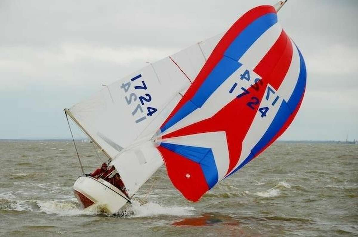 Lakewood Yacht Club's race committee Chairman Larry Rogers has announced the kick-off for the 34th Annual Shoe Regatta. To be held over the weekend of May 14-15, Lakewood hosted the first Shoe Regatta in 1982.