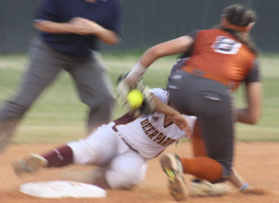 Ash Wade is caught stealing in the second inning as Dobie's Taylor Pleasants applies the tag. Photo: Robert Avery