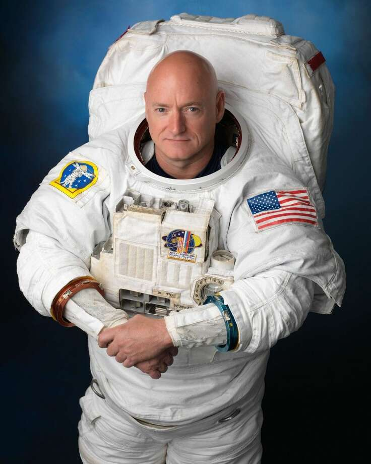 Official portrait of Expedition 45/46 long duration astronaut Scott Kelly in EMU. Photo Date: August 11, 2014. Location: Building 8, Room 183 - Photo Studio. Photographer: Robert Markowitz Photo: Robert Markowitz