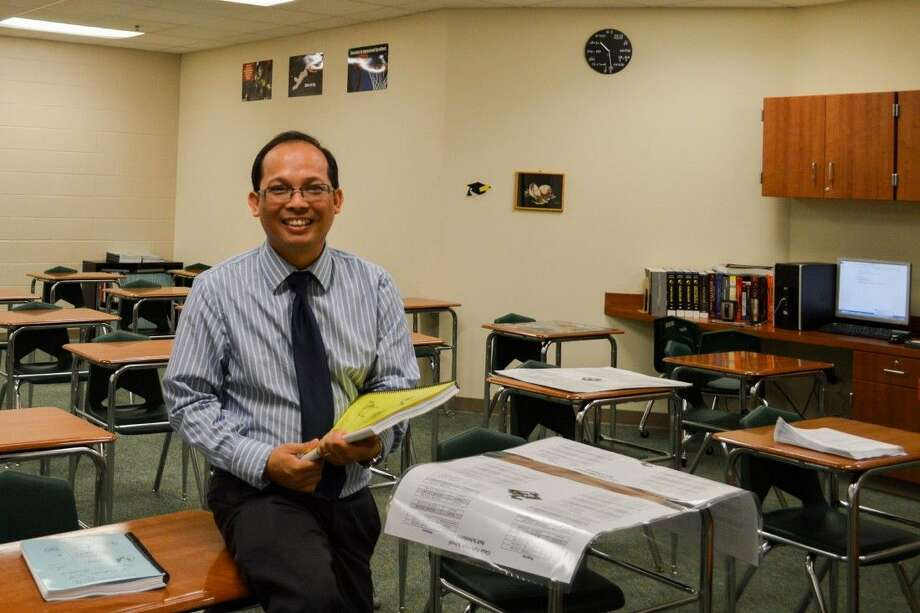 During the Region 4 Teachers of the Year Dinner and Awards Ceremony, held August 5, 2015, Clear Falls High School math teacher Anthony Tran was selected as the Secondary Teacher of the Year.