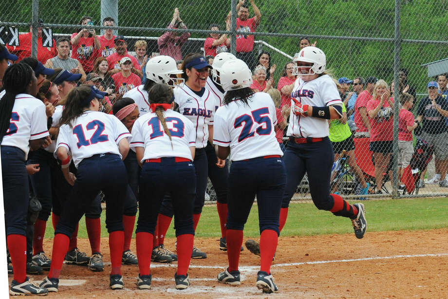 Atascocita's Shelby McGlaun (34) trots into home after hitting a game-tying home run in the seventh inning against Klein Collins on Thursday, April 28, 2016, at Kingwood Park High School. Photo: Tony Gaines
