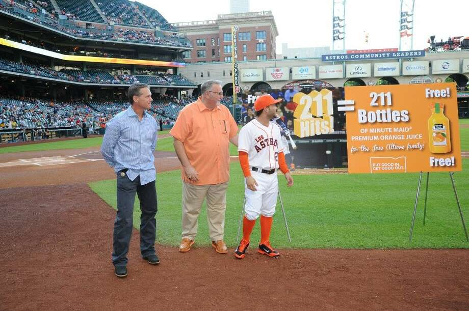 Prior to tonight's 6:10 p.m. Astros-Mariners game, the Houston Astros and partner Minute Maid recognized Jose Altuve's new franchise record for hits in a season during the pregame ceremonies. Craig Biggio, who had held the club record of 210 hits since 1998, also took part in the ceremony.