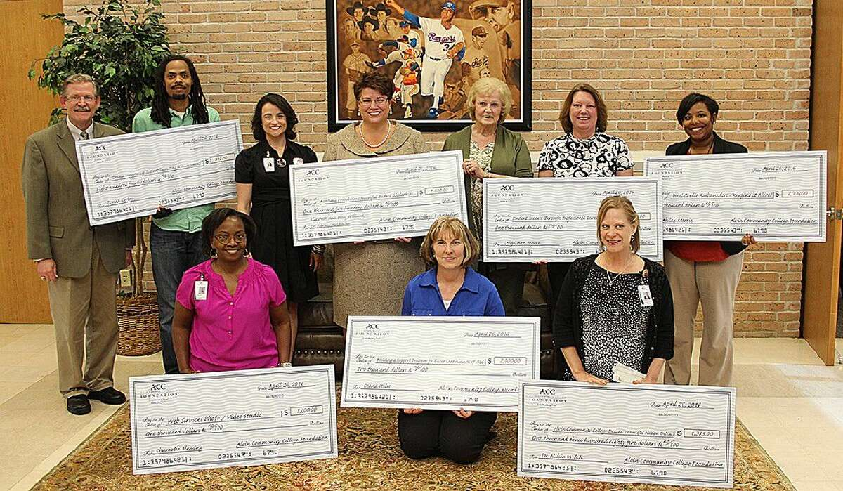 The winners of the ACC Foundation Innovative Initiative Grants are, back row, second from left: Theatre coordinator D'Carrey Stell, Student Retention coordinator Holly Williams, Learning Lab Director Dr. Patricia Konovalov, English instructor Elizabeth Hall, English instructor Leigh Ann Moore and Dual Credit director Akilah Martin. Front row from left is Webmaster Charzetta Flemming, counselor Dianna Stiles and DCVS instructor Suzanne Poston. On the far left back row is ACC Foundation President Jim Crumm.