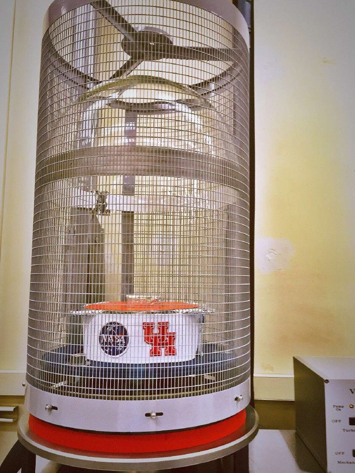 A group of University of Houston students has completed an ambitious senior project, refurbishing an out-of-date vacuum chamber at NASA's Johnson Space Center that now will be used to test components bound for the International Space Station and, potentially, Mars or other deep space destinations.