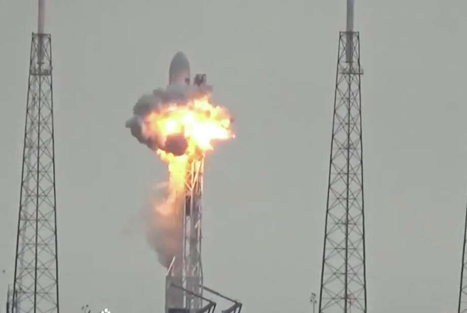 The explosion of SpaceX Falcon 9 rocket on Sept. 1, 2016. Photo: YouTube Video Screengrab