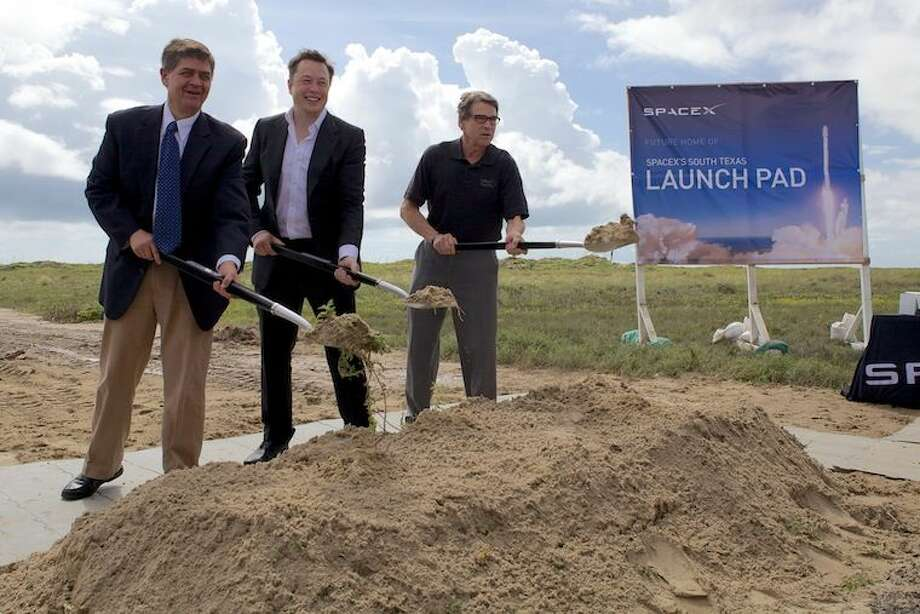 brownsville texas spacex launch - 760×507