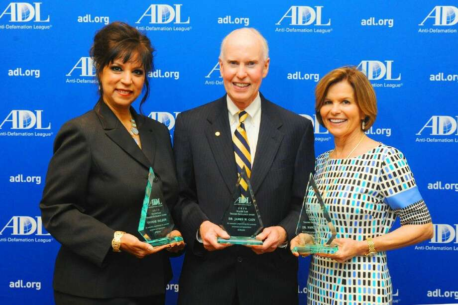 The recipients of the Walter Kase Teacher Excellence Award were Kenneth E. Little Elementary School Counselor Yvonne DeLeon Klein ISD's Superintendent Dr. James W. Cain,and The Kinkaid Lower School Counselor Dr. Nancy Simpson. Photo: Tony Gaines