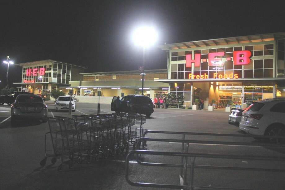 A would-be armed robber was confronted by the screams of frightened customers in the parking lot and decided to make a run for it, witnesses told The Journal Monday, May 8. Photo: Kristi Nix