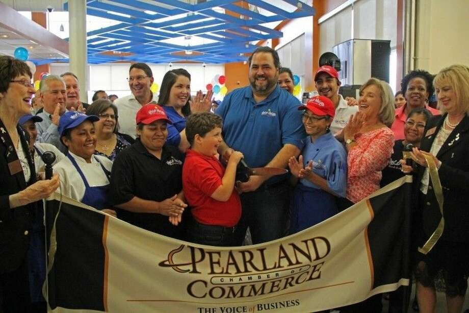 A Ribbon Cutting Ceremony was held to celebrate the grand opening of the Niko Niko Market Cafe located inside the west Pearland H-E-B Plus! on Friday (Sept. 26). Photo: Kristi Nix