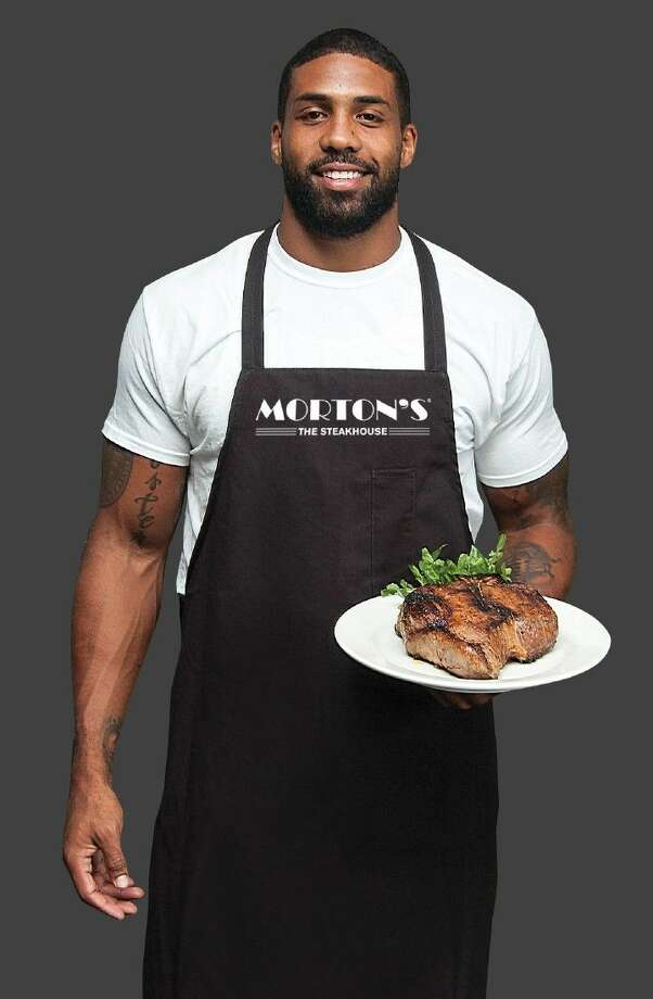 Morton's The Steakhouse and Houston Texans All-Pro running back, Arian Foster, have teamed up to host a Celebrity Servers Charity Dinner on Monday, Sept. 28.