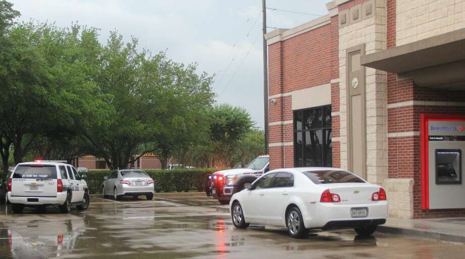 A woman was attacked in her car by three robbers outside a west Pearland bank Friday (May 13) around 5:30 p.m. Photo: Kristi Nix