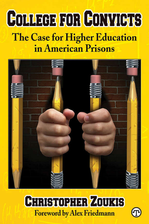 Experts advise: Educating prisoners can reduce recidivism. (NAPS)