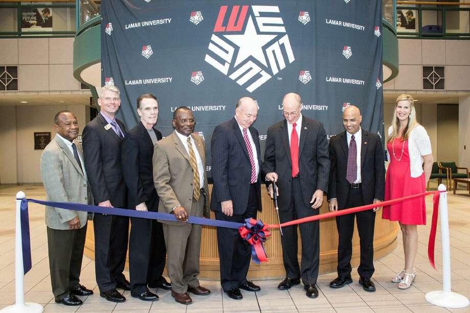 Officials from both colleges, including Dr. Head, LSC chancellor and Dr. Evans, Lamar University president, were on hand at LSC-University Center at The Woodlands to sign the agreement and officially launch this partnership.