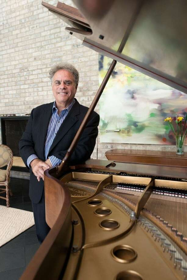 """Hailed by The New York Times as """"an artist who means every note he plays,"""" internationally renowned concert pianist Jeffrey Siegel brings Keyboard Conversations® back to Houston. Photo: ADOLFO CHAVEZ"""