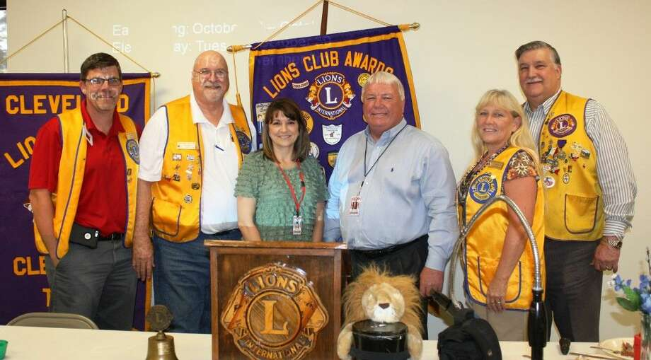 Cleveland ISD Superintendent Dr. Darrell Myers and Susan Ard (center) visited members of the Cleveland Lions Club, including Thomas Higgins, Tim Holder, Terrie Manners and Mike Penry, on Tuesday, Sept. 8. Photo: Stephanie Buckner