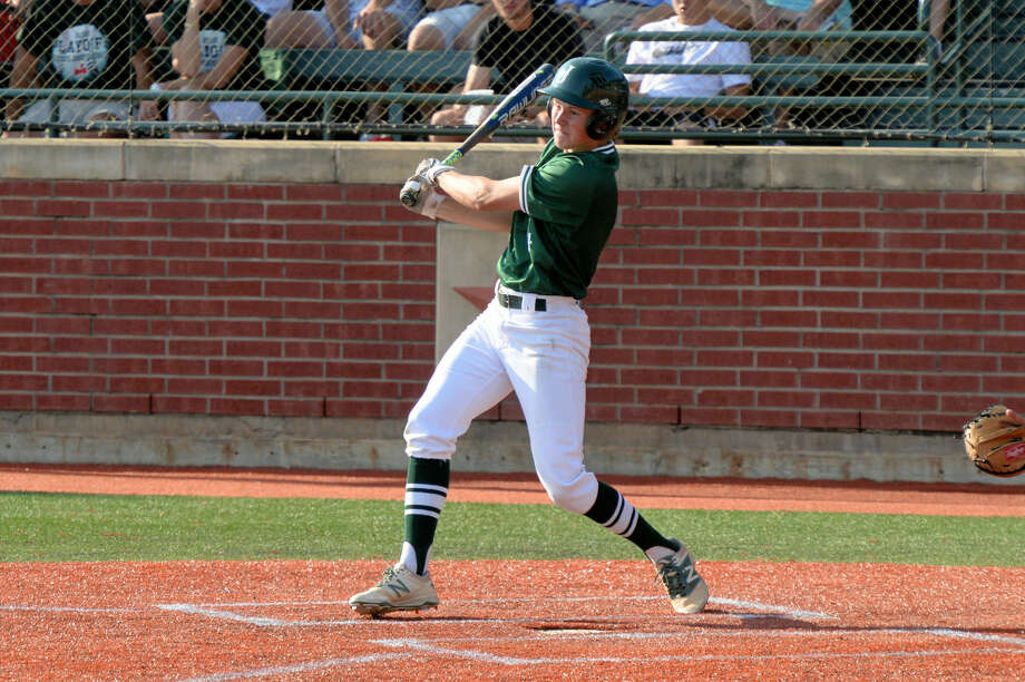 Houston Lamar vs Strake Jesuit Regional Quarterfinal Game 1 at Baseball USA, Houston, TX, May 20, 2016. Riley Overstreet connects on a base hit. Overstreet finished 6-8 in the series. Photo: Craig Moseley