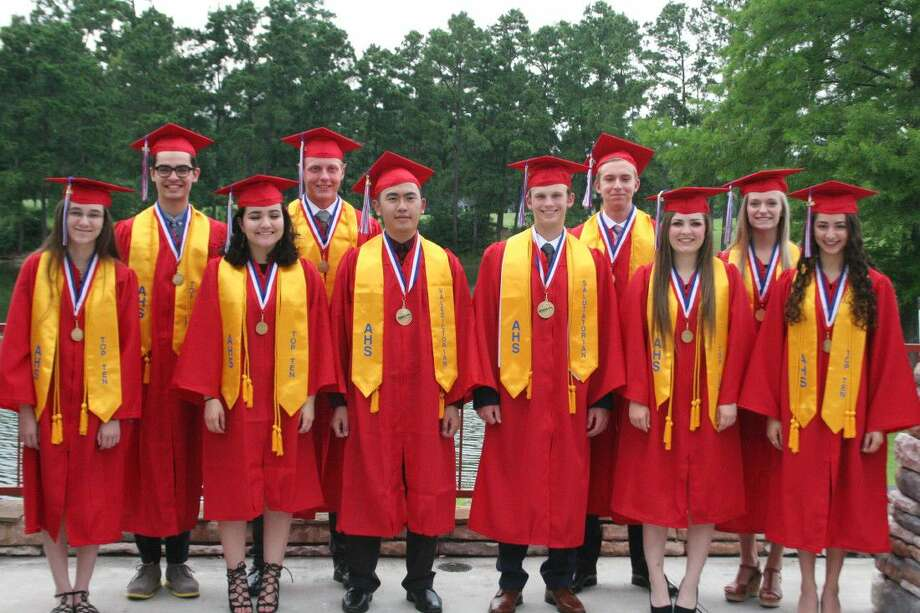 It was a special evening for the top ten graduates Wednesday, May 18, 2016, as they had the opportunity to celebrate their hard work with their parents and also invite one of their favorite AHS teachers to join in the celebration.