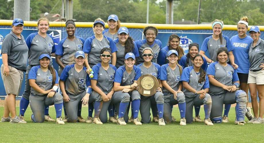 After earning the 2016 National Junior College Athletic Association (NJCAA) Region XIV Championship title, San Jac softball is heading to the NJCAA Division I National Softball Tournament in St. George, Utah, May 18 - 21. Pictured left to right: Front row: Head Coach Kelly Saenz, Sarah Holden, Nakilah Robinson, Isis Rangel, Jaimee Kelly, Dani Damion, Taylor Office, Niki Gonzalez, Ashley Zapata, Kaylee Ousman, Shelby Dublin, and Assistant Coach Kelsey Walters. Bottom row: Missy Hernandez, Katlin Kerl, JJ Cerda, Carol Raabe, Jamie Henk, Shelbi Doherty, Alexis DeLeon, and Gabby Gonzalez. Photo credit: Andrea Vasquez, San Jacinto College marketing, public relations, and government affairs department.