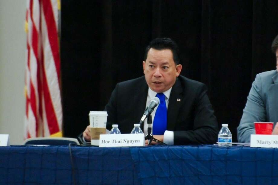 Houston Mayoral candidate Hoc Thai Nguyen introduces himself during the Bay Area Association of Democratic Women and the Clear Lake Area Republicans Houston Mayoral Forum, Sept. 17.