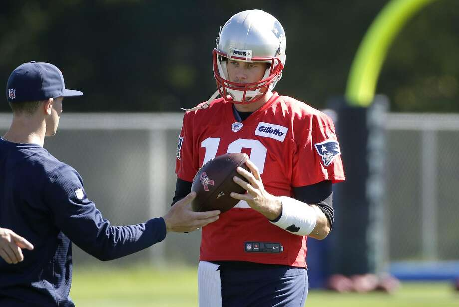 Tom Brady was back at practice Wednesday. Photo: Steven Senne, Associated Press