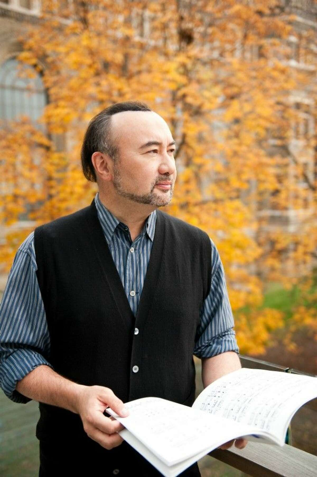 A veteran of the international concert stage, Jon Kimura Parker has performed as guest soloist with the Philadelphia Orchestra and Wolfgang Sawallisch in Carnegie Hall, toured Europe with the Royal Philharmonic Orchestra and Andre Previn, and shared the stage with Jessye Norman at Berlin's famed Philharmonie.
