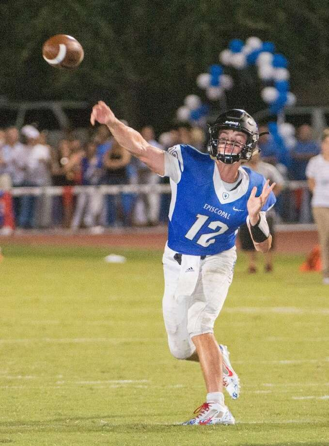Episcopal quarterback Preston Heard, shown throwing a pass against St. Thomas, has been named the Built Ford Tough Texas High School Player of the Week in the private school ranks. Heard was chosen for his performance in the win over Eagles. Photo: Kevin B Long