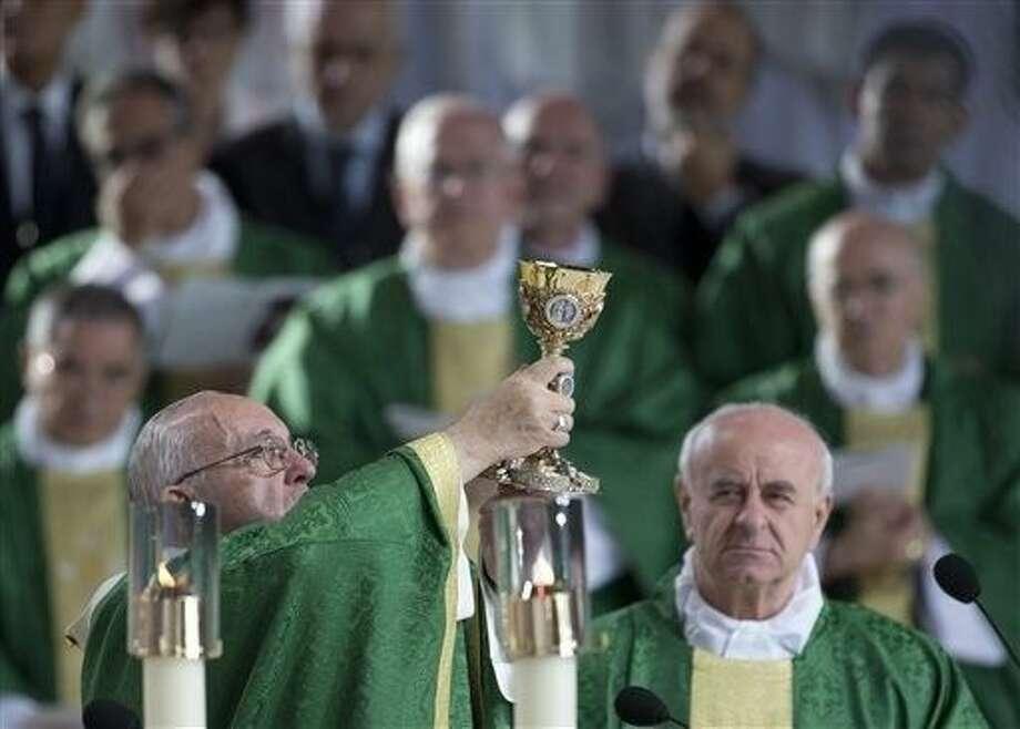 Pope Francis celebrates Mass on the Benjamin Franklin Parkway, Sunday in Philadelphia. Photo: Alessandra Tarantino