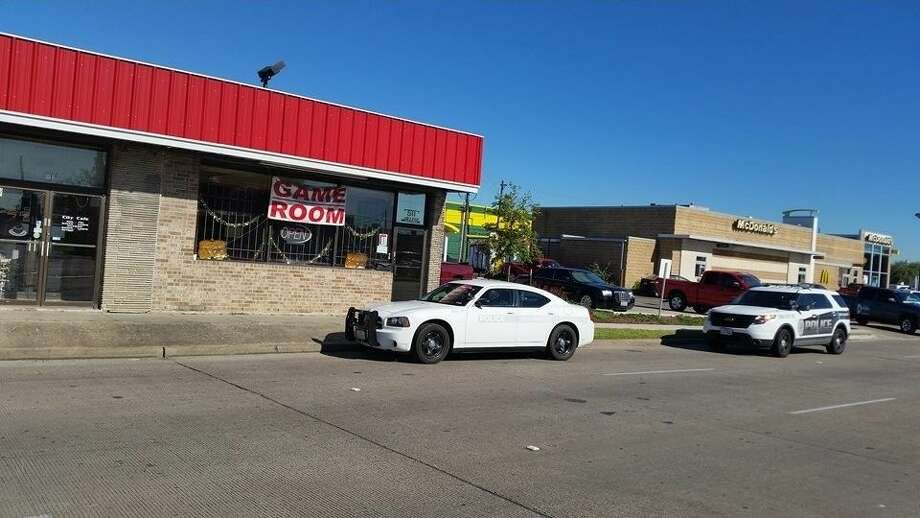 South Houston Police Department are investigating a robbery at a game room that occurred Wednesday morning at 511 College Ave in South Houston.