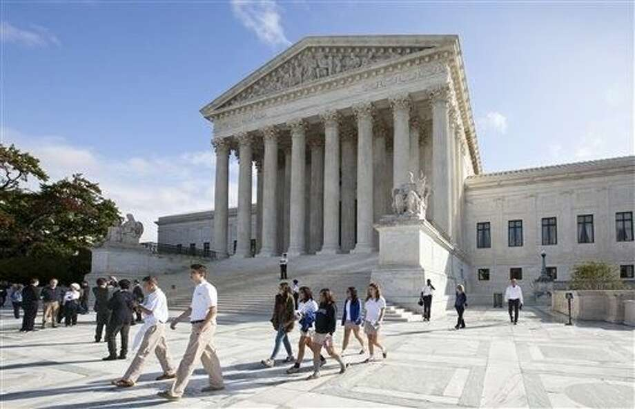 The Supreme Court is starting a new term on Monday that promises a steady stream of divisive social issues, and also brighter prospects for conservatives who suffered more losses than usual in recent months. Photo: J. Scott Applewhite